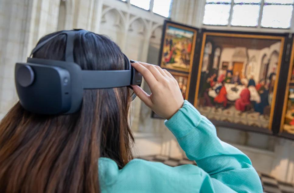 Fiandre, un progetto di realtà virtuale consente di camminare dentro un dipinto di Bouts