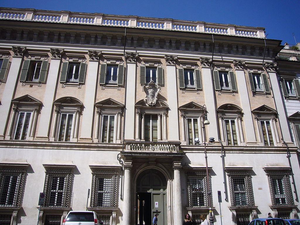 Palazzo Odescalchi a Roma, restauri selvaggi e collezione dispersa. Il caso in Parlamento