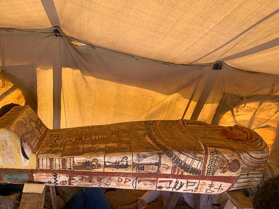 Egitto, scoperti 27 sarcofagi di 2.500 anni fa ben conservati