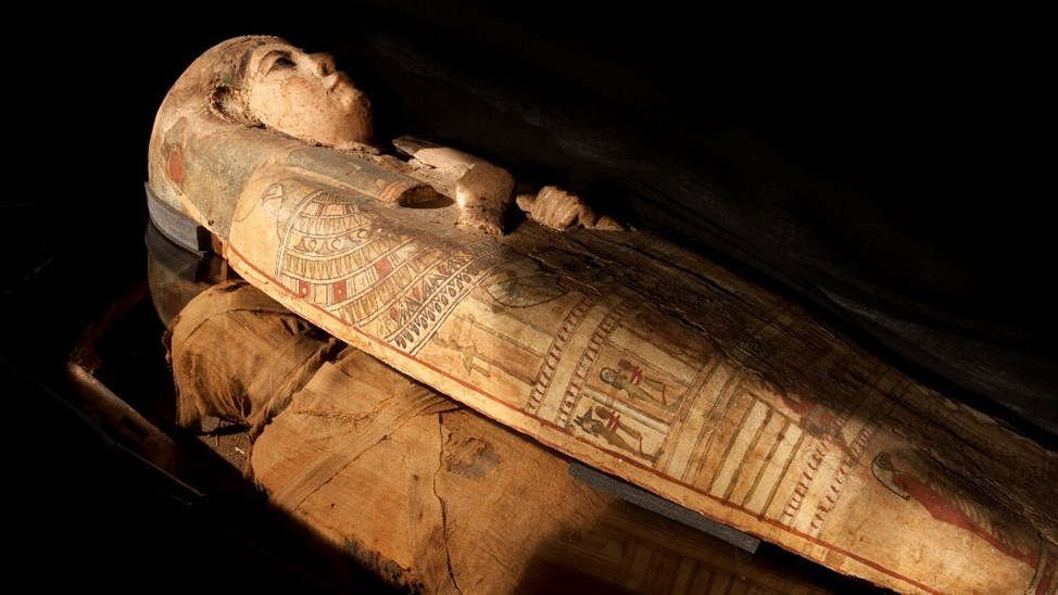 Scozia, scoperti sorprendenti dipinti dentro un sarcofago egizio di quasi tremila anni fa