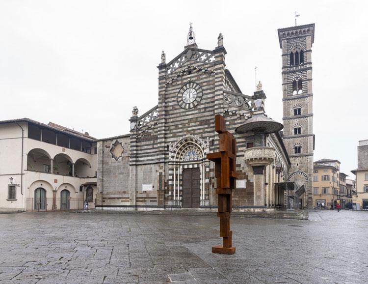 Prato accoglie per sei mesi la statua di Gormley sulla timidezza