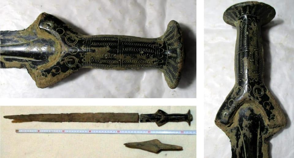 Va per funghi e torna con una spada dell'età del bronzo: è successo in Repubblica Ceca