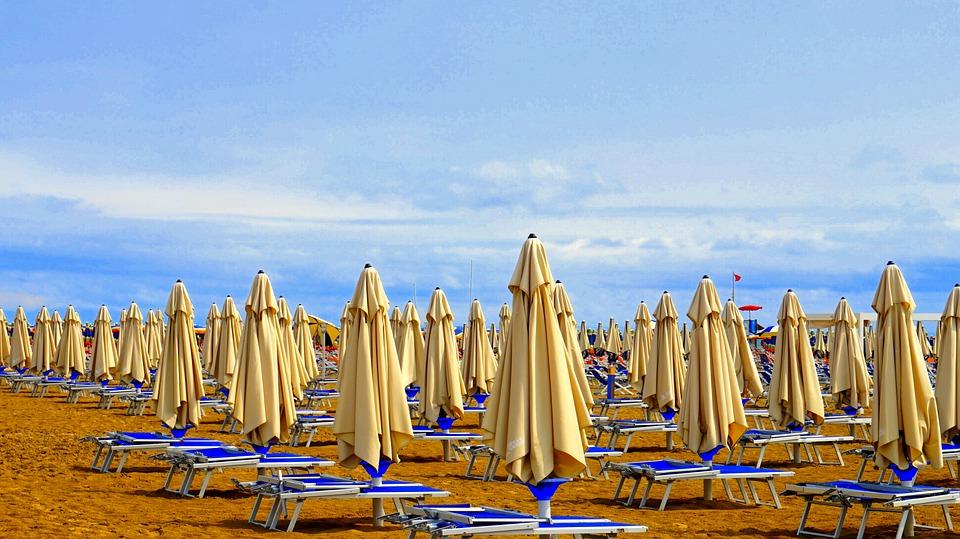 """Il sottosegretario Bonaccorsi: """"stiamo lavorando al bonus vacanze. Il turismo quest'anno sarà sostenibile e in luoghi poco affollati"""""""