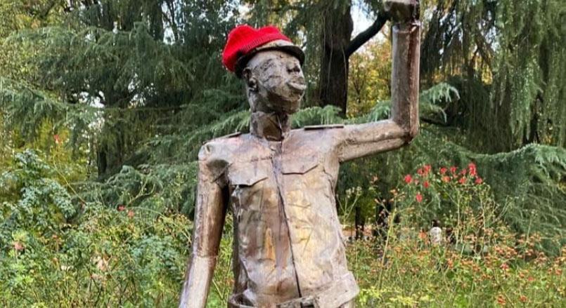 A Milano installata statua del rivoluzionario Sankara vicino a quella di Montanelli