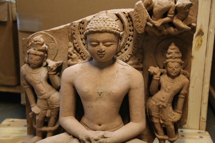 Le autorità americane restituiscono all'India dieci opere antiche sequestrate da importanti gallerie