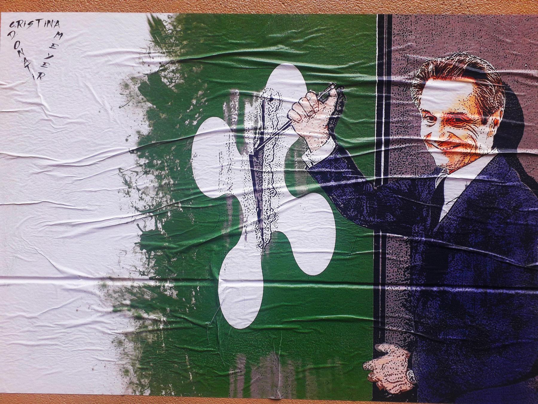 I tagli di Fontana... alla sanità. L'opera di street art affissa all'ospedale Covid di Milano