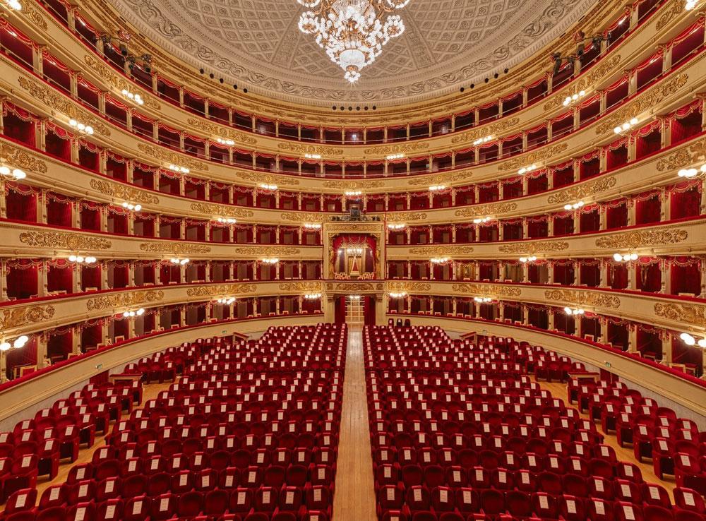 """Centinaia di artisti si appellano a Draghi: """"riaprite cinema, teatri e musica in primavera"""""""