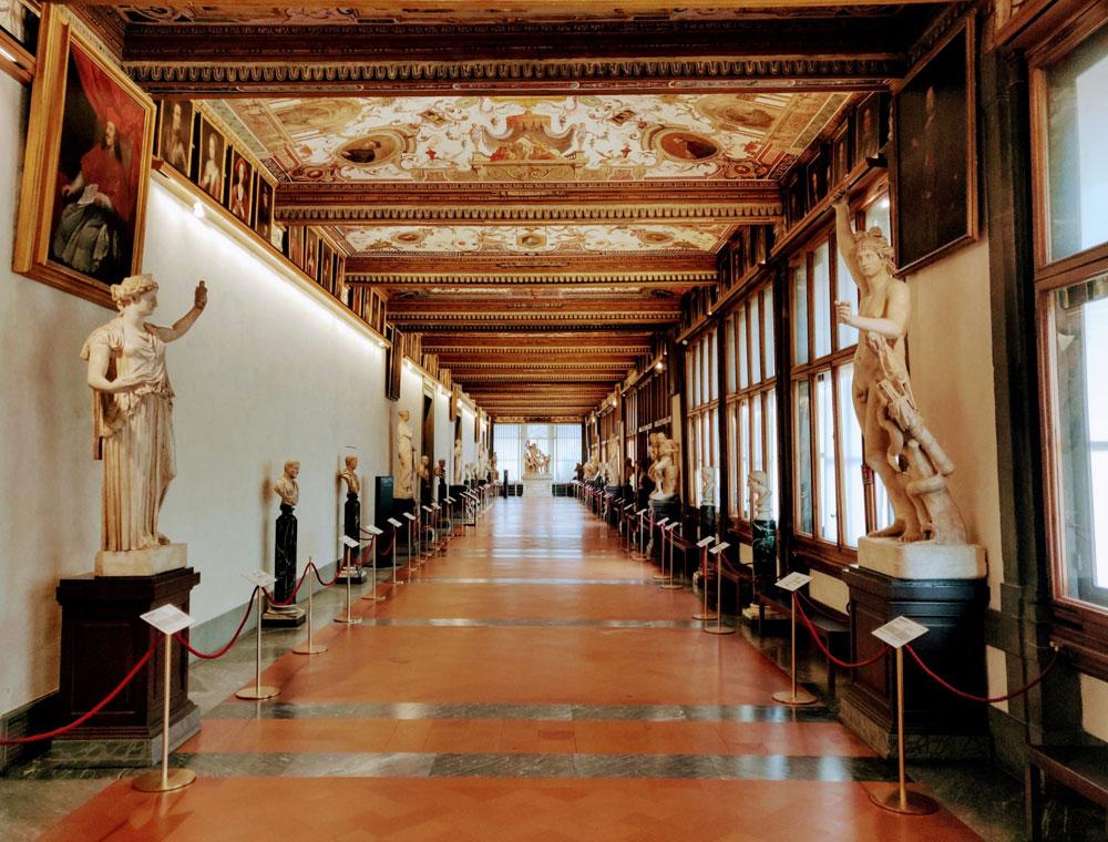 """Schmidt: """"Vi accompagneremo virtualmente agli Uffizi, in versione live"""""""