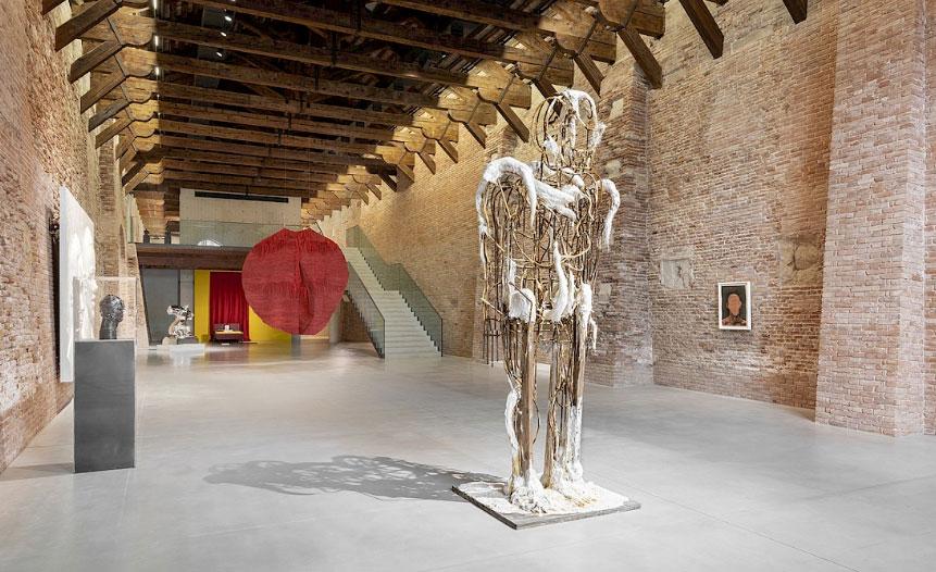 A Punta della Dogana tre sguardi sull'arte di oggi con sessanta artisti