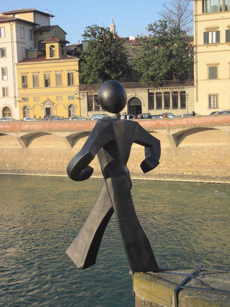 Firenze, Clet assolto: il suo Uomo Comune è libero