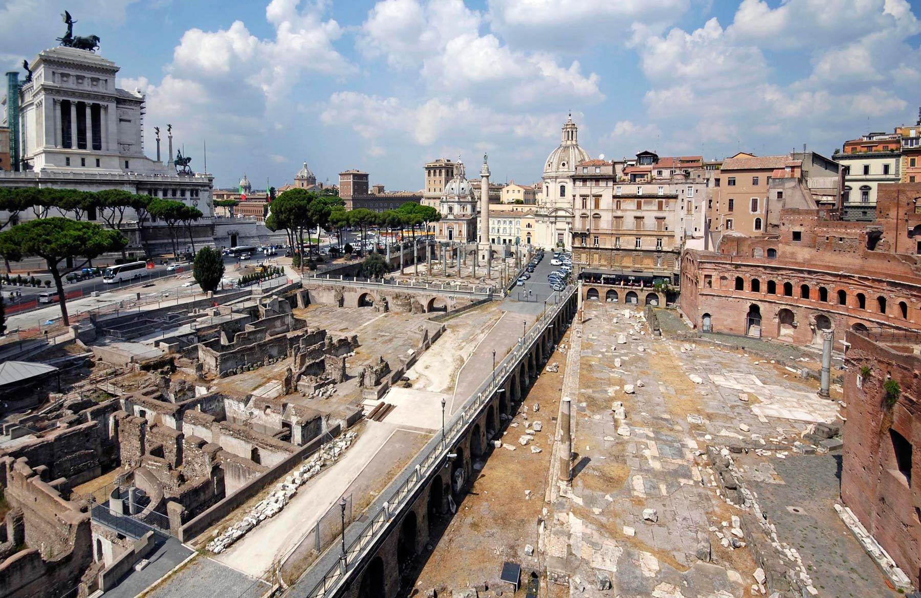 Roma, emerge una nuova porzione dei Fori Imperiali, con importanti scoperte