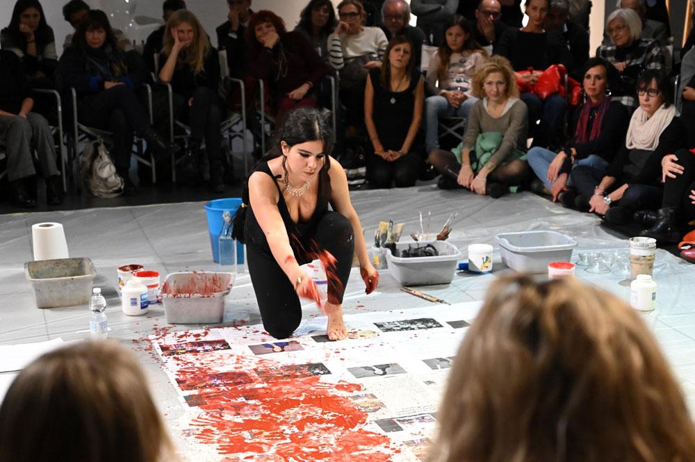 Il progetto in tre atti di Zehra Doğan per l'eliminazione della violenza contro le donne