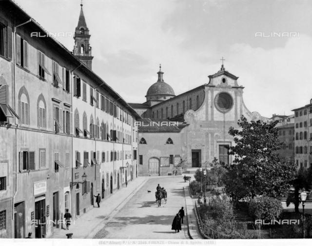 La facciata di Santo Spirito in una foto d'inizio Novecento di Alinari