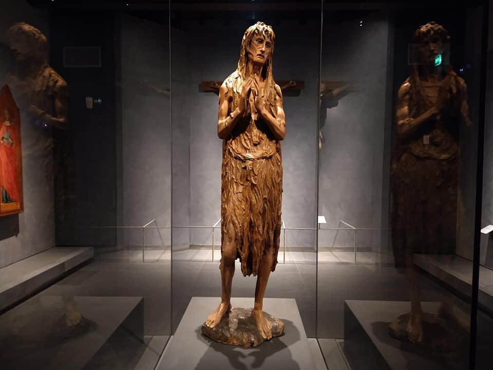 Donatello, Maddalena (1453-1455 circa; legno di gattice, altezza 185 cm; Firenze, Museo del Duomo)