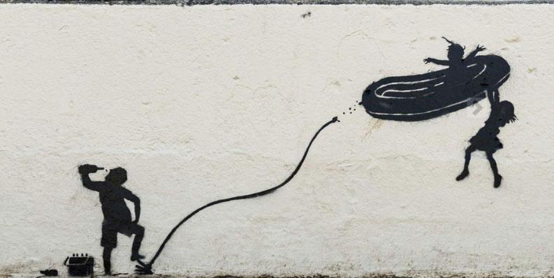Cancellata un'opera di Banksy perché irrispettosa per la comunità locale