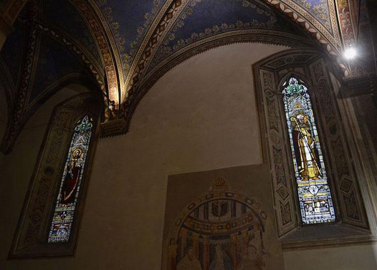 Arezzo, terminato il restauro delle vetrate policrome della Basilica di San Francesco