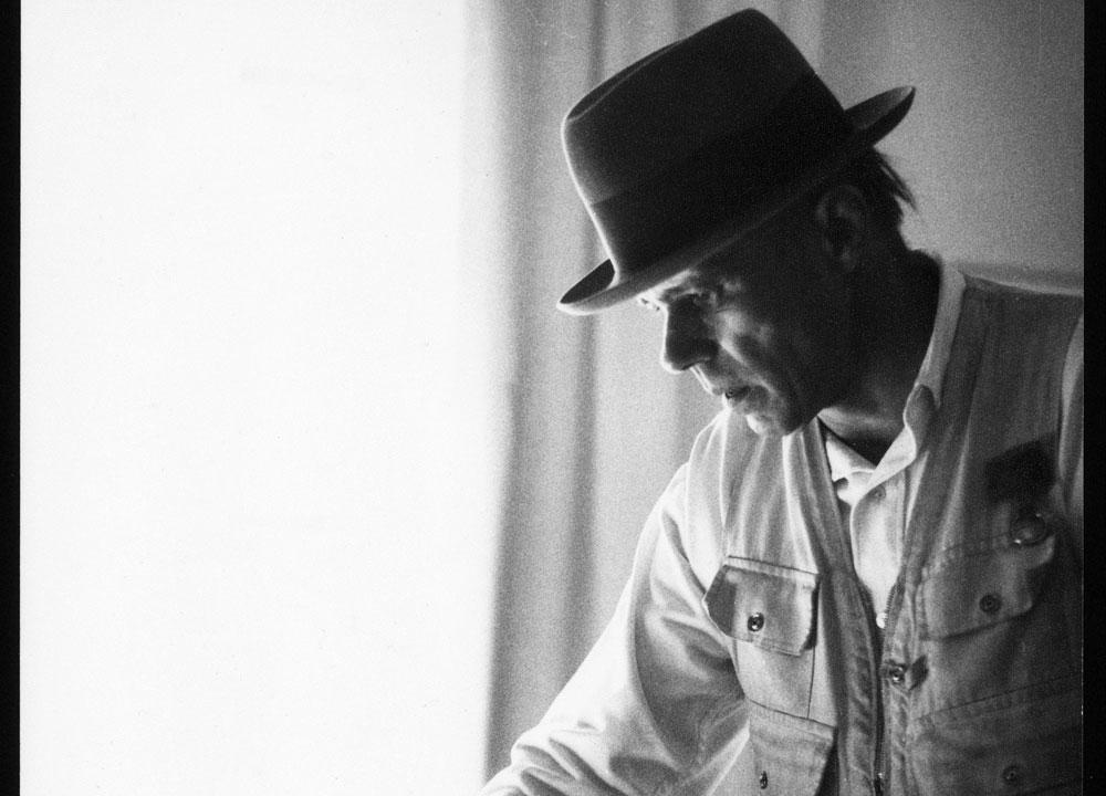 Sky Arte celebra un docu-film il centenario della nascita di Joseph Beuys