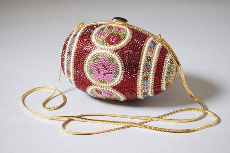 Il V&A Museum dedica una mostra alle borse, la più completa mai realizzata nel Regno Unito