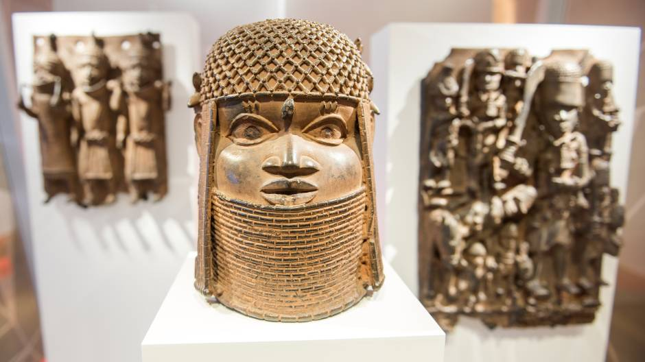 Germania, decisione storica: i bronzi del Benin dell'Humboldt Forum restituiti alla Nigeria