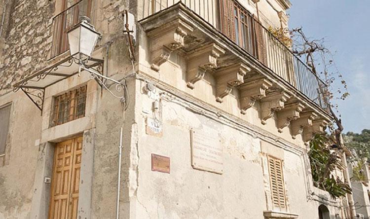 Sicilia, Casa Quasimodo sarà acquistata per un milione di euro dalla Regione