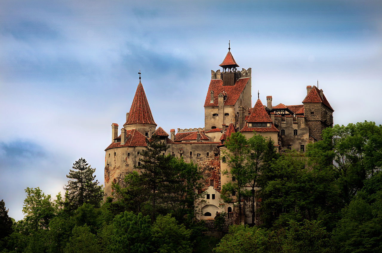Romania, il Castello di Dracula diventa un centro vaccinale