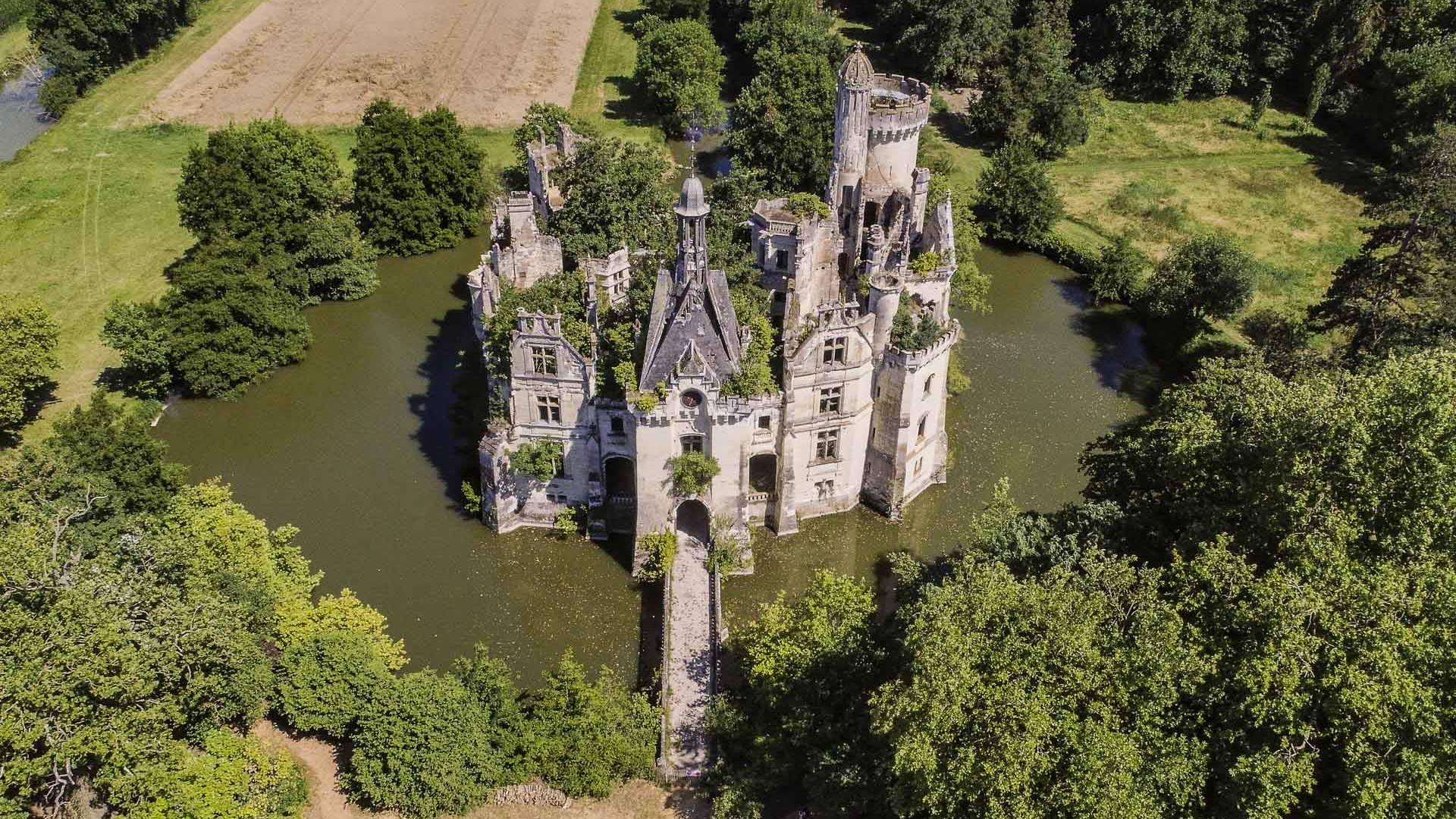 Francia, uno dei più bei Castelli della Loira recuperato grazie a un azionariato popolare