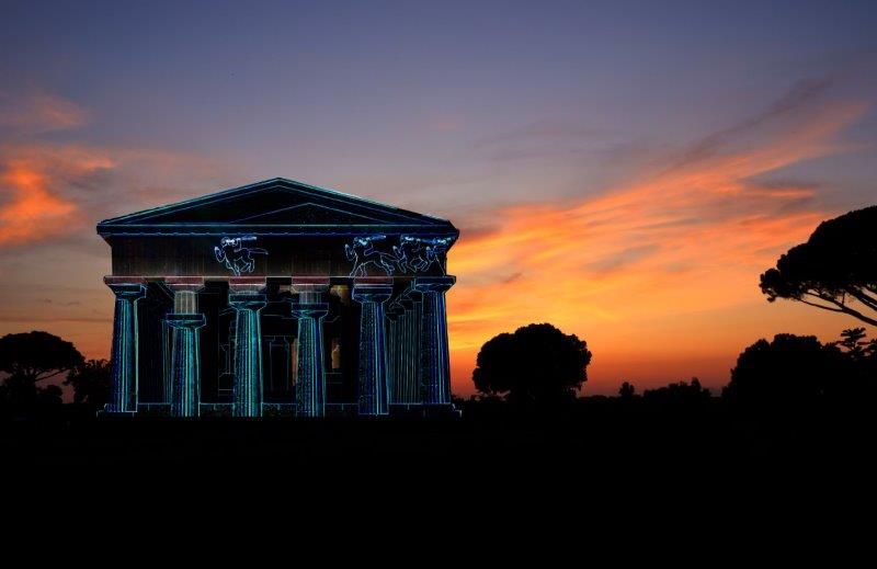 Paestum, il Tempio di Nettuno si anima con il videomapping di Alessandra Franco