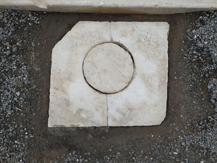 Pompei, rubato un chiusino in marmo della Casa di Sirico. Sono in corso le indagini