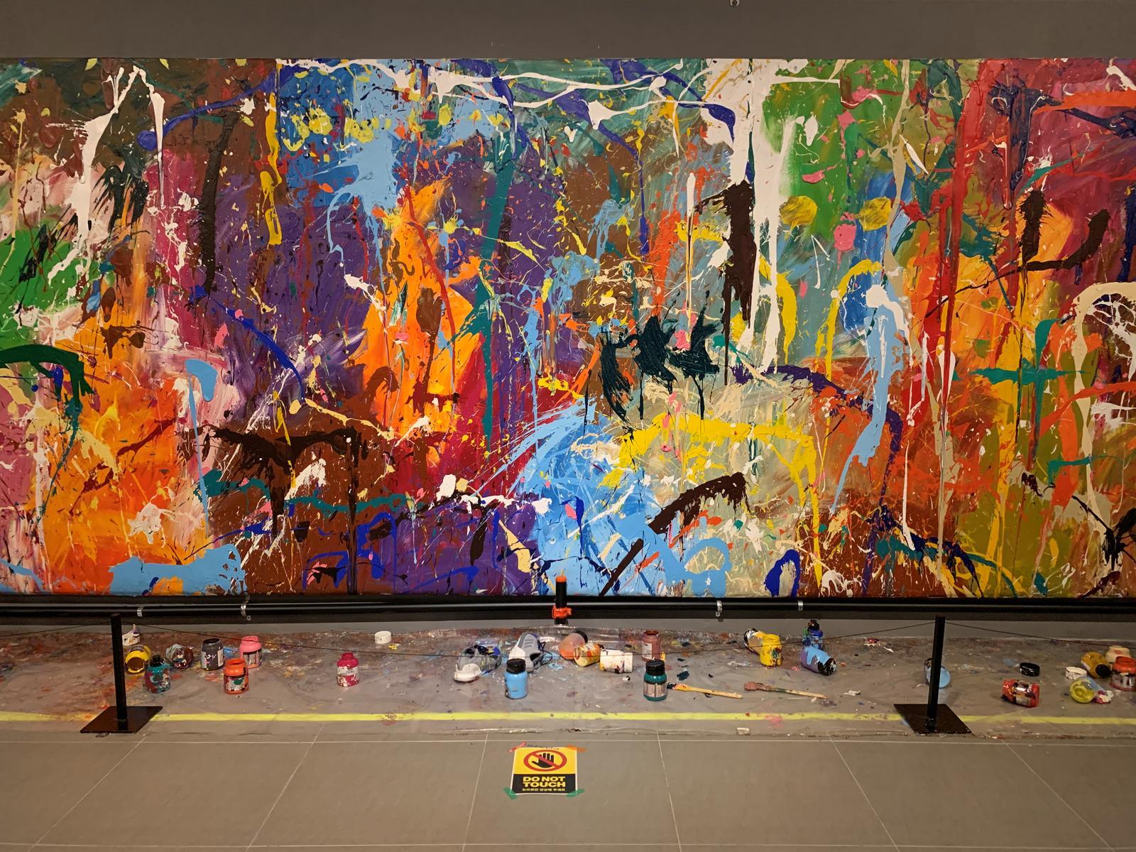 Corea, due giovani vandalizzano un dipinto da 500mila dollari... a loro insaputa
