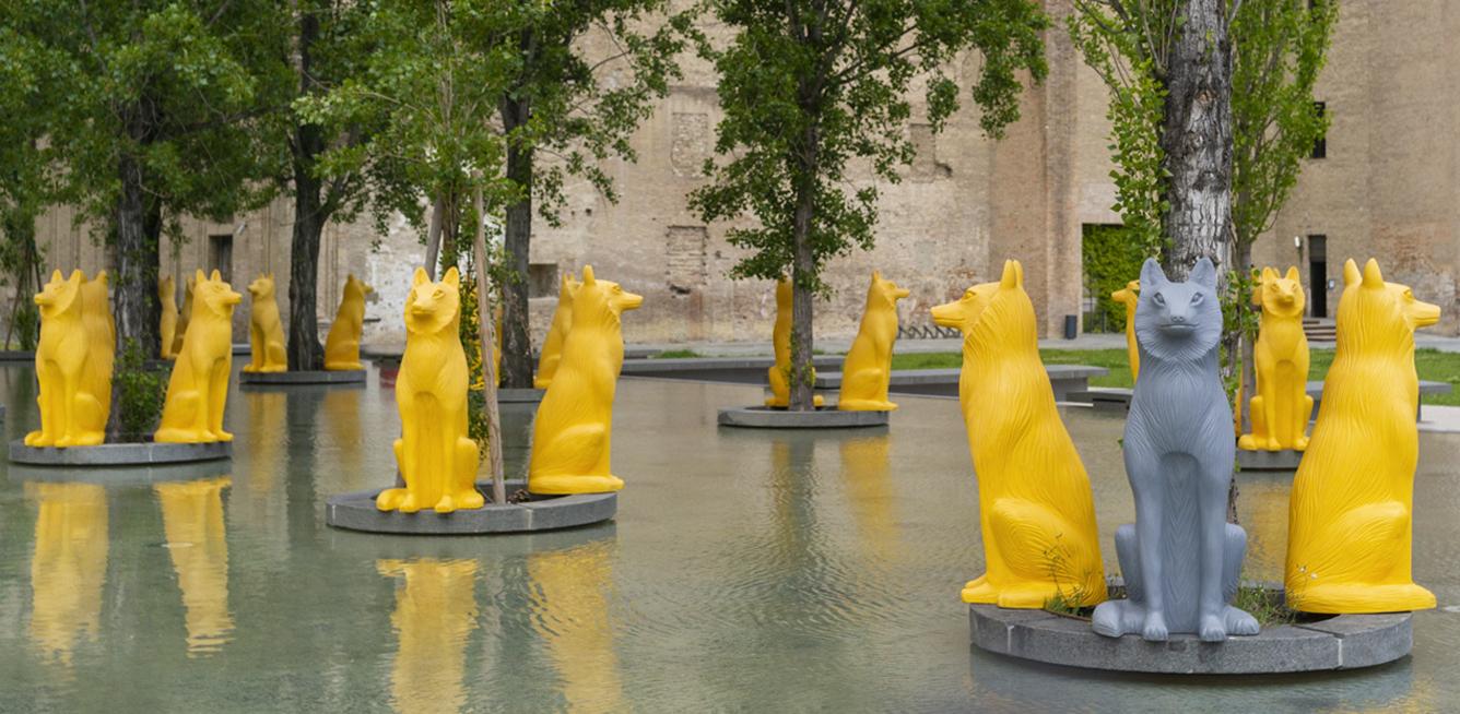 Parma è invasa da lupi: la nuova opera del collettivo Cracking Art