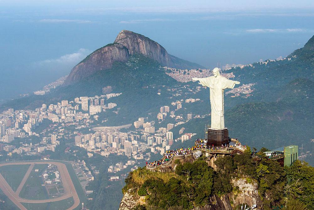 Il Cristo Redentore di Rio de Janeiro compie 90 anni: sarà restaurato