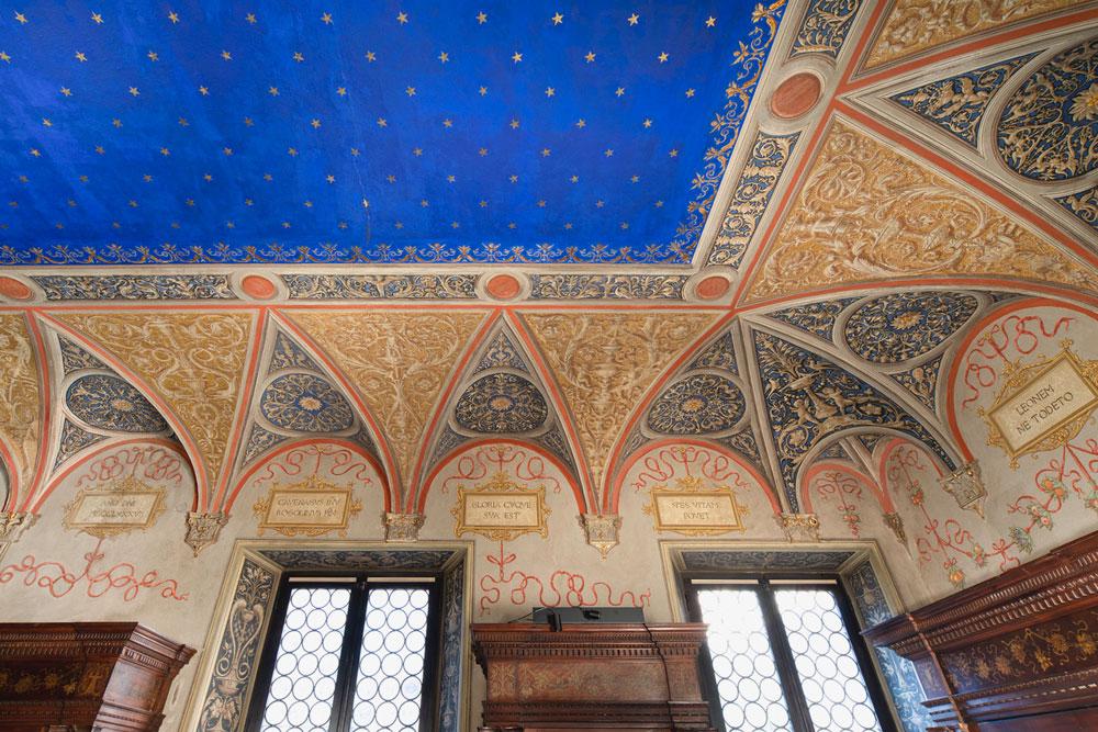 Museo Bagatti Valsecchi, restaurata la splendida decorazione pittorica ottocentesca della Biblioteca