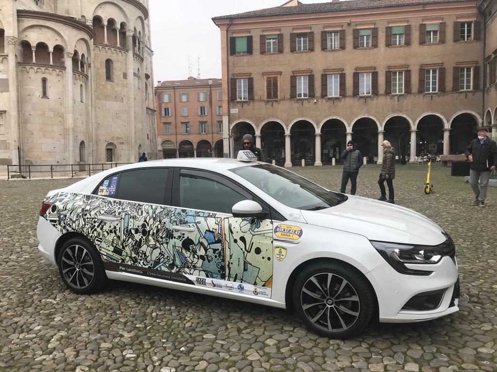 Modena, sui taxi della città arrivano opere d'arte contemporanea