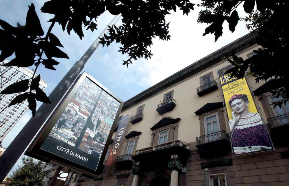 Per la prima volta a Napoli una grande mostra su Frida Kahlo con riproduzioni degli ambienti in cui visse