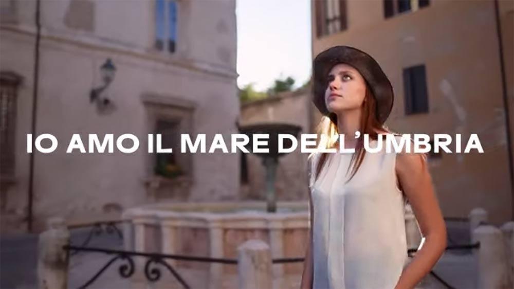 L'Umbria invita tutti... al mare! La surreale campagna di promozione turistica della regione
