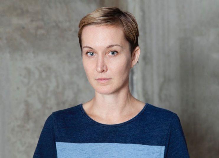 Addio all'artista Kaari Upson, scomparsa di cancro a soli 51 anni