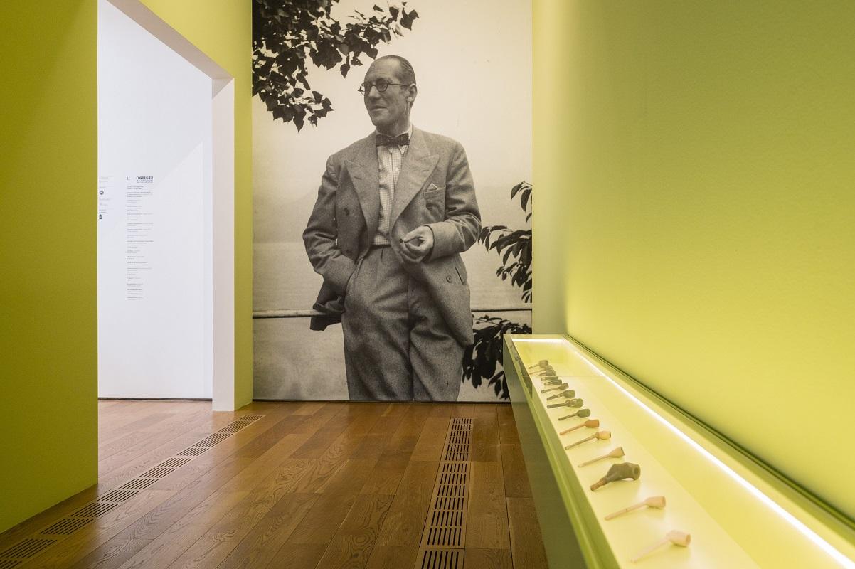 Torino, alla Pinacoteca Agnelli la mostra sugli oggetti e sui viaggi di Le Corbusier