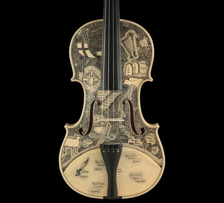 L'Inferno dantesco illustrato su 34 violini: il lungo progetto di Leonardo Frigo