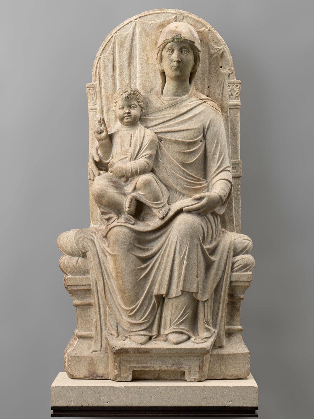 Torna a Ravenna dopo 160 anni la statua che proteggeva il sarcofago di Dante