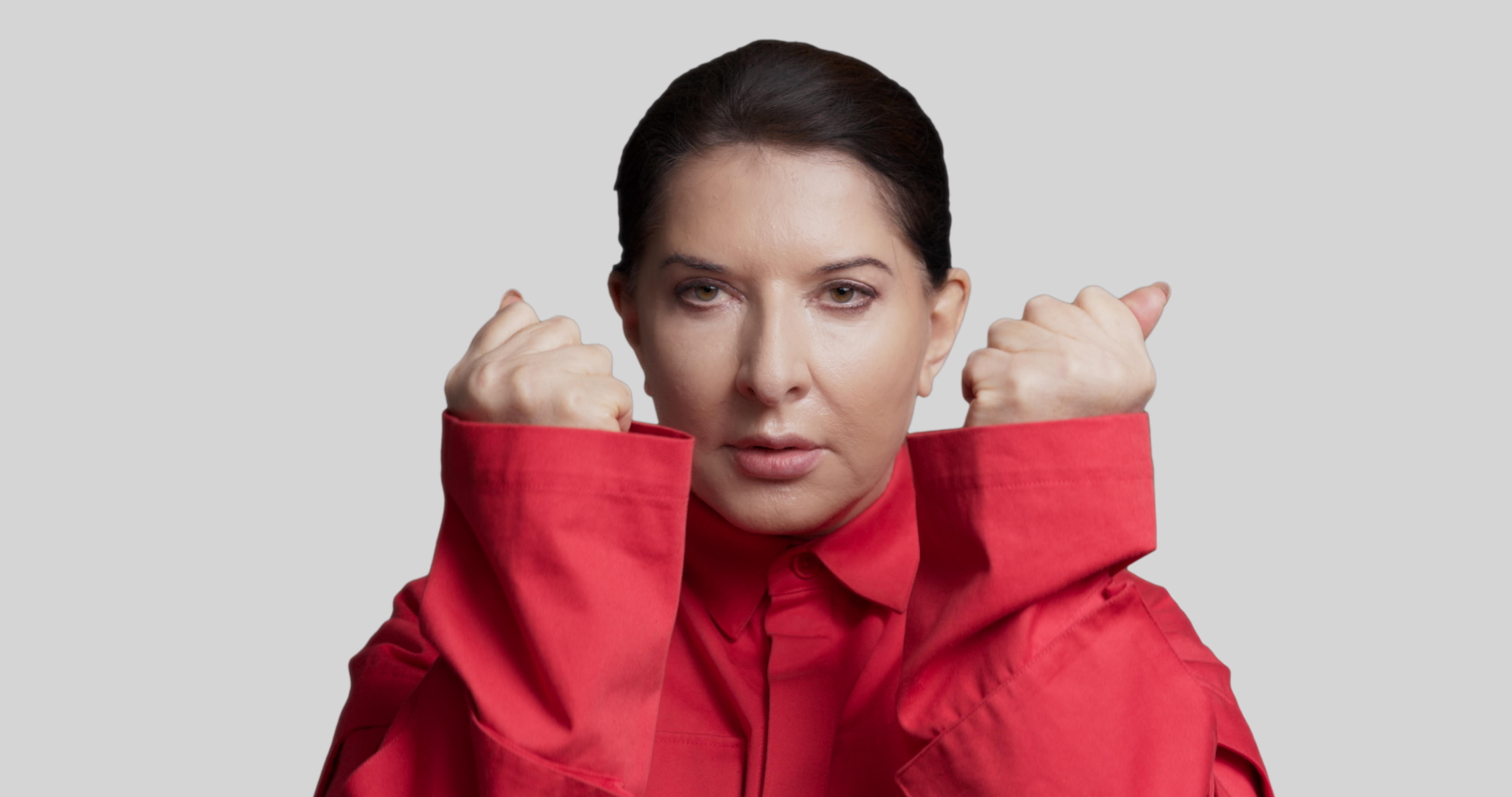 Marina Abramović diventa Accademica d'Onore di Carrara. Il 23 giugno terrà lectio online