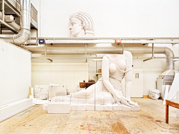 I luoghi di lavoro come spazi di relazione: la mostra del fotografo Mario Siragusa