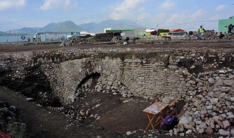 Mancano i soldi per aprirlo, e il Messico ricopre un sito preispanico scoperto nel 2019