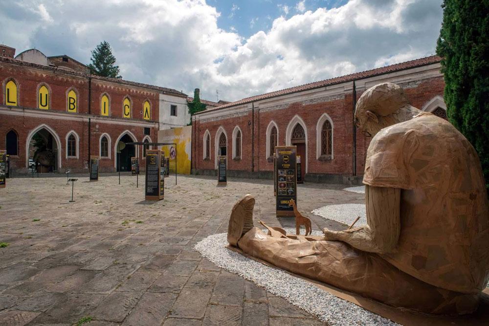 Lucca invasa da sculture di carta per la decima edizione di Cartasia, biennale dedicata alla paper art
