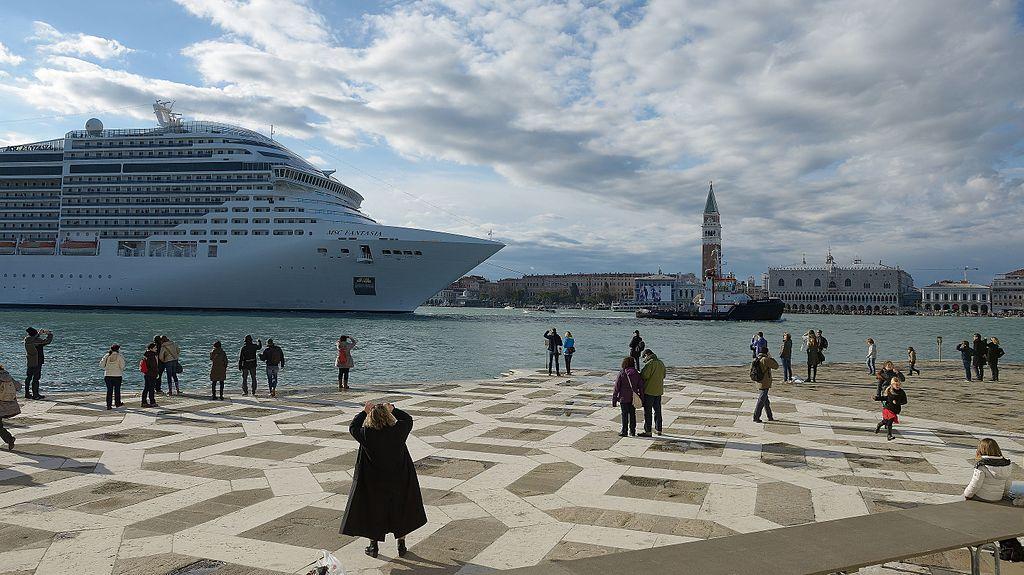 Venezia, dal 1° agosto stop alle grandi navi in San Marco