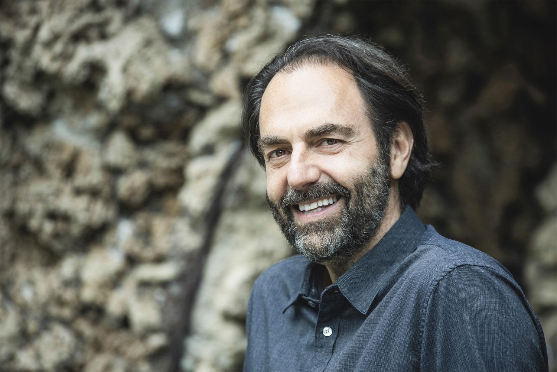 Neri Marcorè sarà il conduttore della prossima stagione di Art Night su Rai 5
