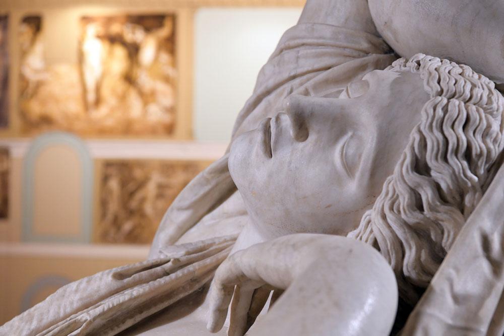 In mostra a Jesi la Ninfa addormentata degli Uffizi, antica scultura romana dalla travagliata storia