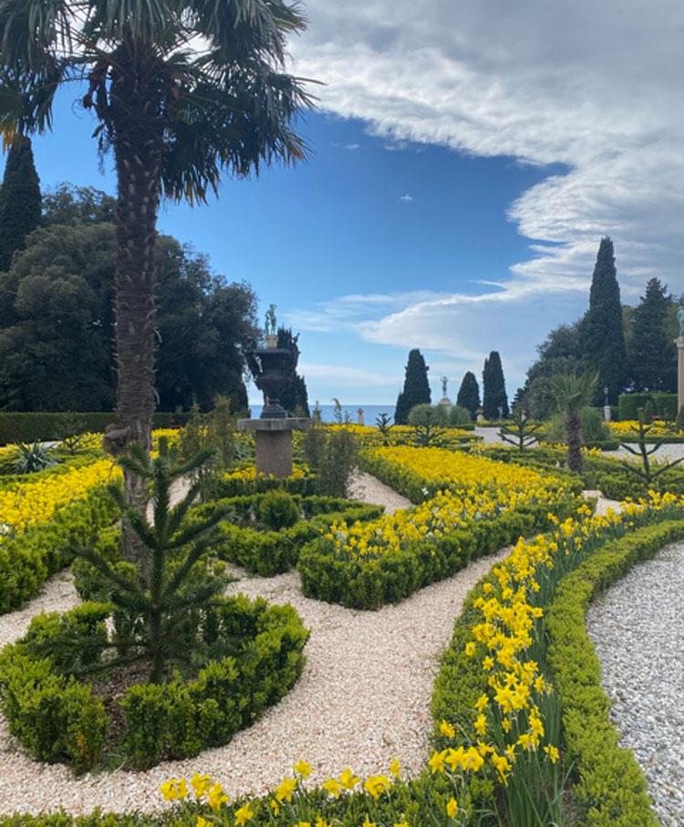 Da lunedì riapre il Parco di Miramare con le sue fioriture primaverili
