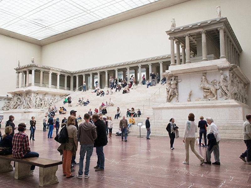In Germania i musei riaprono dopo 4 mesi, ma non ovunque (e possono sempre richiudere)