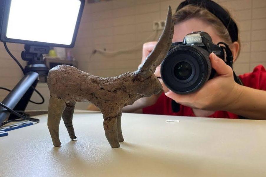Archeologi hanno scoperto impronte digitali su figurine di fango dell'antico Egitto
