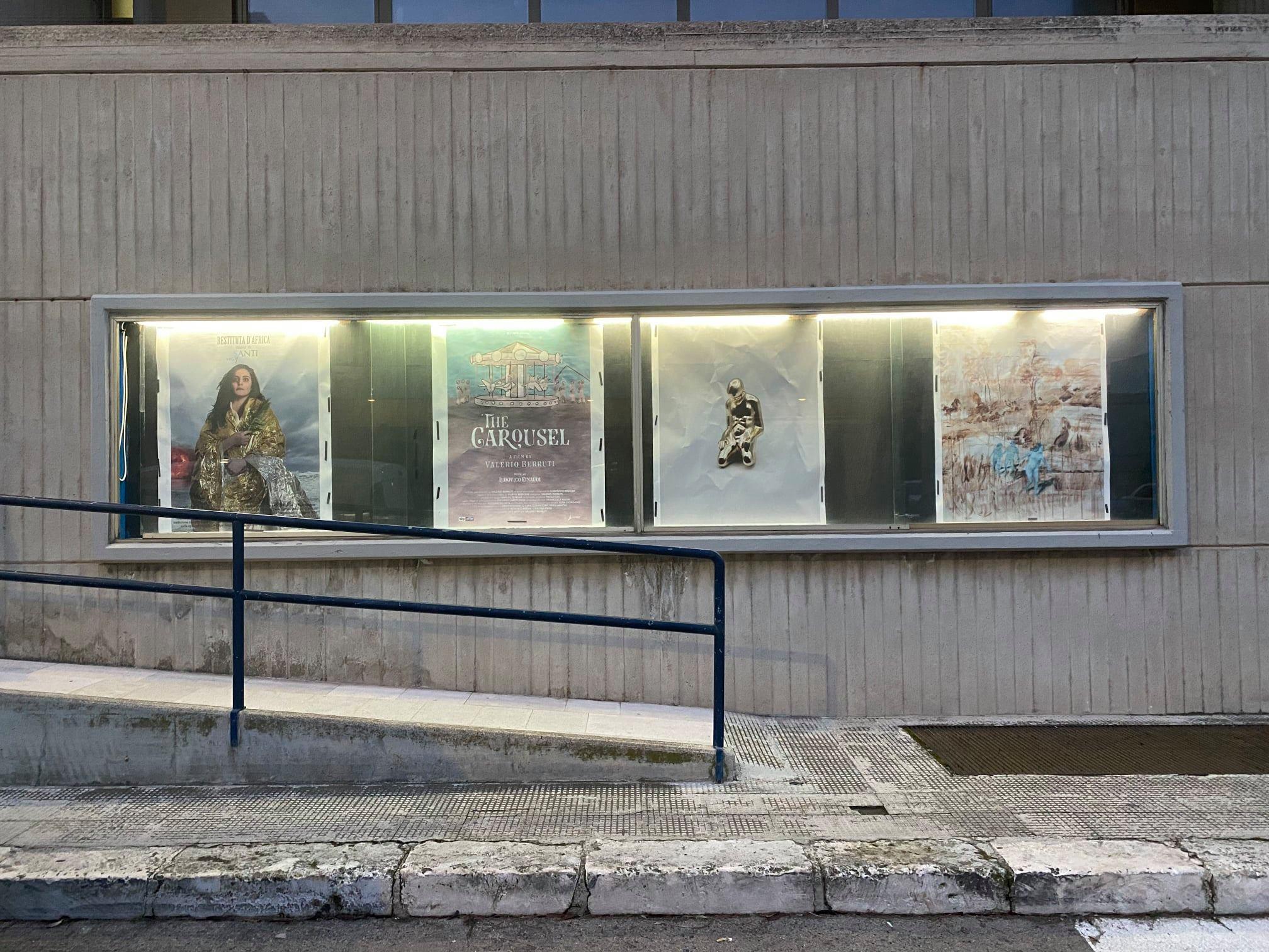 Cinema chiusi per Covid? In Puglia, le loro bacheche ospitano opere d'arte in una mostra diffusa